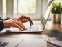Raport: Scădere aproape la jumătate a numărului de site-uri frauduloase concepute pentru a fura date sensibile, în 2018
