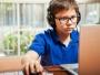 Ministrul Muncii: Am finalizat cadrul legal privind zilele libere plătite pentru părinţii copiilor care învaţă online