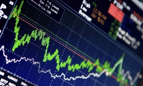 Evoluții contradictorii ale serviciilor de piață