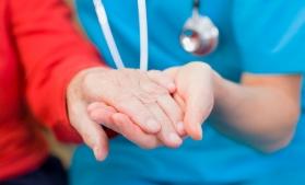Fonduri europene pentru îngrijirea vârstnicilor aflați în dificultate