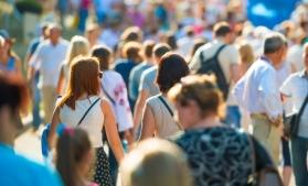 Declinul demografic din România s-a atenuat în septembrie, ca urmare a creșterii natalității