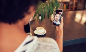 Studiu: Românii ar putea fi desemnaţi cei mai comunicativi europeni