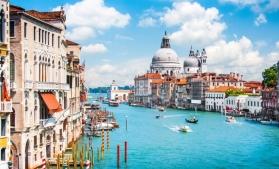 Veneția interzice accesul vapoarelor de croazieră în centrul istoric