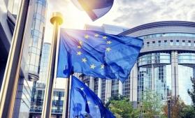 UE a înregistrat un deficit al balanţei comerciale de 0,1 miliarde euro, în iulie
