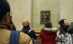 Pictura Mona Lisaa lui Leonardo da Vinci a fost îmbrăcată într-o protecție din sticlă