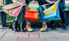 Peste jumătate dintre consumatorii din UE iau în calcul impactul cumpărăturilor lor asupra mediului