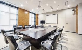 Studiu: Piaţa spaţiilor de birouri va da primele semne de revenire din 2021