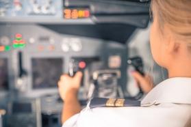 O româncă, prima femeie-pilot comandant de aeronavă în cadrul Heavy Airlift Wing din Europa
