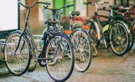 Bloomberg: Bicicletele înlătură automobilele de pe străzile oraşelor din Europa
