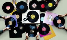 Vânzările de discuri de vinil le-au întrecut pe cele de CD-uri