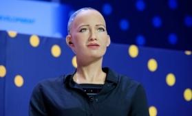 Producătorii robotului Sophia intenţionează să demareze producţia de masă în contextul pandemiei
