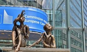 CE a lansat o consultare publică privind răspunsul la impactul îmbătrânirii populației