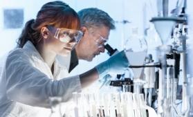 În UE, femeile reprezintă aproximativ jumătate dintre angajații din domeniul științei și tehnologiei
