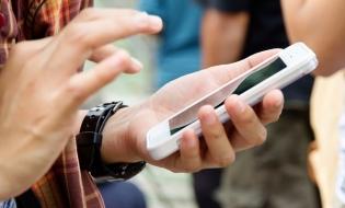 Smartphone-ul, între utilitar și distractiv