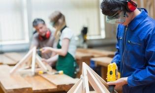 Angajatorii germani susțin că învățământul dual se poate construi numai cu implicarea mediului privat