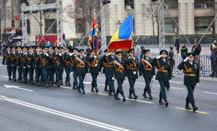 Peste 3.000 de militari la parada de 1 Decembrie