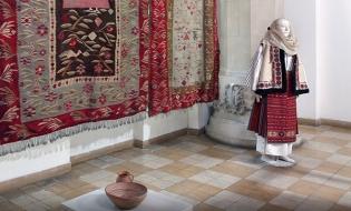 Expoziție virtuală dedicată portului tradițional românesc
