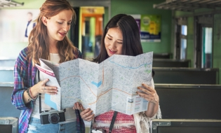 Călătorii gratuite în întreaga Europă pentru tineri aflați la vârsta majoratului, prin DiscoverEU