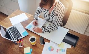 CE propune noi norme care vor stimula digitalizarea procesului de deschidere și gestionare a unei afaceri
