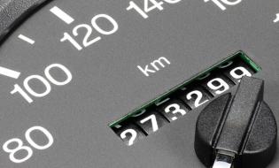 Parlamentul European solicită noi reglementări pentru prevenirea fraudării kilometrajului