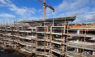 Numărul autorizaţiilor de construire pentru clădiri rezidenţiale a crescut cu 7,6% în primele şapte luni
