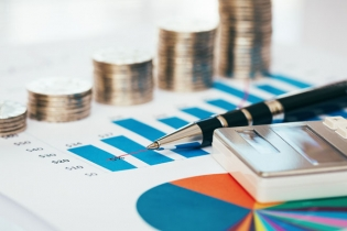 În primele 11 luni din 2018, deficitul de cont curent a crescut cu 3,262 miliarde euro, iar datoria externă cu 2,003 miliarde euro