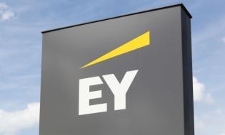 Studiu EY: Companiile orientate către consumatori riscă să-și piardă relevanța în lipsa unor planuri îndrăznețe de transformare