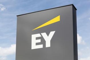 Studiu EY: S-a majorat numărul afacerilor de familie din sectoarele bazate pe tehnologie