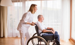 Consiliul Concurenţei: Majoritatea pacienților care au nevoie de servicii de îngrijiri medicale/paliative la domiciliu nu știu că au dreptul la această facilitate