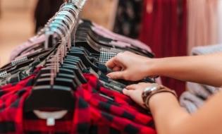 Mașinile și îmbrăcămintea, pe primele locuri pe lista produselor periculoase pentru consumatorii români