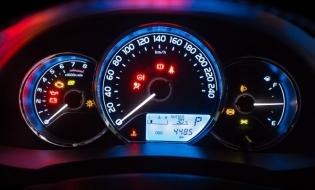 Studiu: Aproape 30% dintre mașinile rulate cumpărate în România, în primele 5 luni, aveau kilometrajul dat înapoi