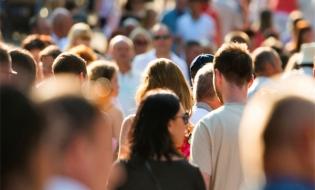 FMI: Îmbătrânirea și reducerea populației ar putea afecta economiile din Centrul și Estul Europei