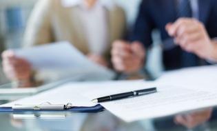 98,2% dintre salariaţi lucrează în baza unui contract de muncă pe perioadă nedeterminată