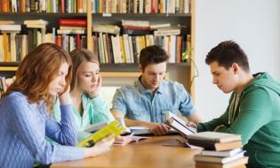 Lectura: reîntoarcerea la bunele obiceiuri