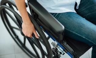 ANCOM: Persoanele cu dizabilități vor beneficia de oferte telecom mai atractive