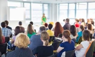 CECCAR Covasna: 12 noiembrie – Întâlnirea profesională a profesioniștilor contabili din județ cu conducerea filialei. Prezentare despre Angajarea cetățenilor străini – încadrarea în muncă și detașarea străinilor pe teritoriul României