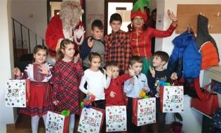 CECCAR Dâmbovița: Cântece și dansuri pentru brad