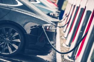 APIA: Ponderea autoturismelor ecologice în totalul pieţei a crescut la 6%, în primele două luni