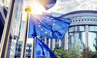 Economia UE a înregistrat în primele trei luni cel mai sever declin trimestrial, începând din 1995