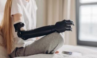 Braţ robotic care imită mişcările unei mâini umane, inventat în Canada