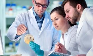 UE suplimentează cu 100 milioane euro suma alocată cercetării în domeniul vaccinurilor
