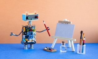 Un robot care pictează folosindu-se de inteligenţă artificială va avea o expoziţie la muzeu