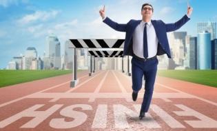 Cursa cu obstacole: recuperarea la finiș, redresarea la start