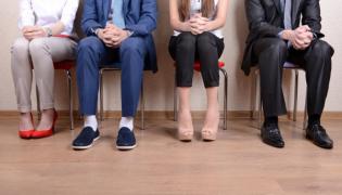 """Peste 5.000 de joburi pentru candidaţi """"entry level"""", disponibile în oraşele mari din România"""