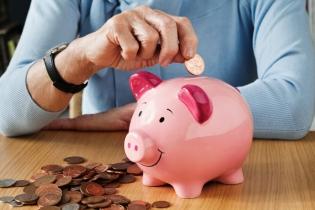Studiu: Doar un român din trei a reușit să economisească pentru pensii în 2019