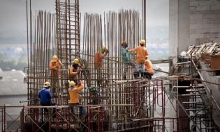 Inspecţia Muncii: Amenzi de peste 9,2 milioane de lei la firme din construcţii, reparaţii autovehicule şi plasarea forţei de muncă în străinătate
