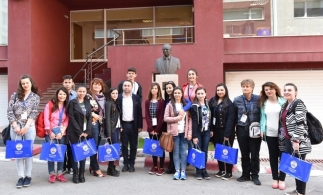Elevi ai unui liceu din Turcia, în vizită de studiu la Filiala CECCAR București