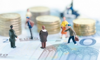 Raportul dintre numărul mediu de pensionari de asigurări sociale de stat și cel al salariaților a fost de 9 la 10 în T2