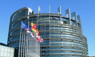 Parlamentul European elimină comisioanele excesive pentru plăți transfrontaliere din UE în afara zonei euro
