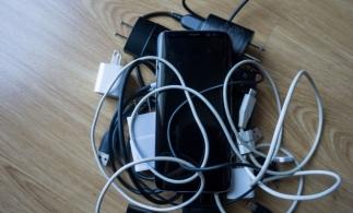 UE intenționează introducerea obligatorie a încărcătoarelor comune pentru toate dispozitivele mobile